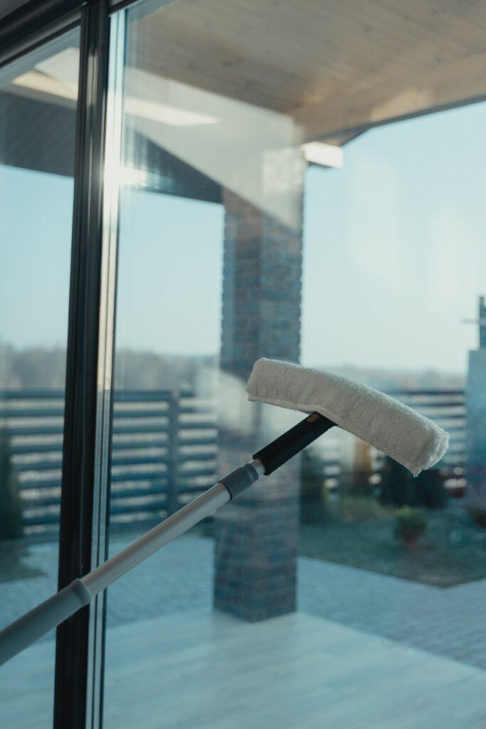 Ihre Reinigungsfirma für Gebäudereinigung und Glas- und Fensterreinigung in Rotenburg und Umzu